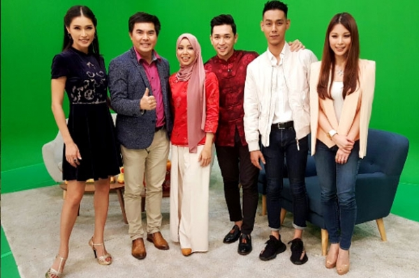 2017 Astro RIA interviews Kenny Hoo AmberChia HannahTan Kin Wah on Chinese New Year Celebrations